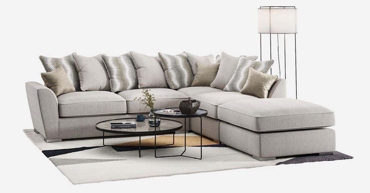 A big, comfortable corner sofa for your living room – which one to choose?