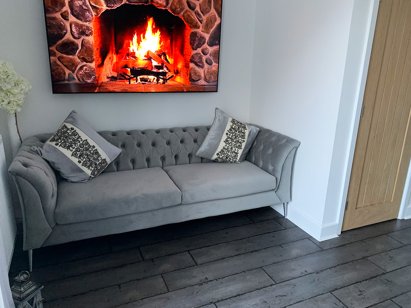Grey Chesterfield Modern sofa with silver legs