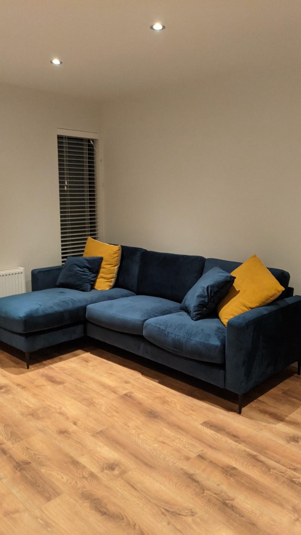 Dark blue corner Covex in velour fabric