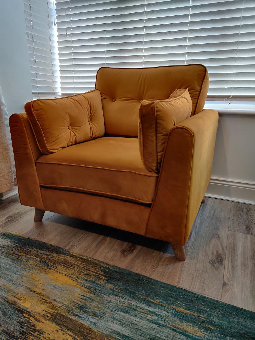 Velour Magnus armchair, mustard colour